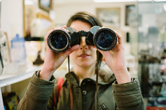 spying through binoculars to learn from other bloggers
